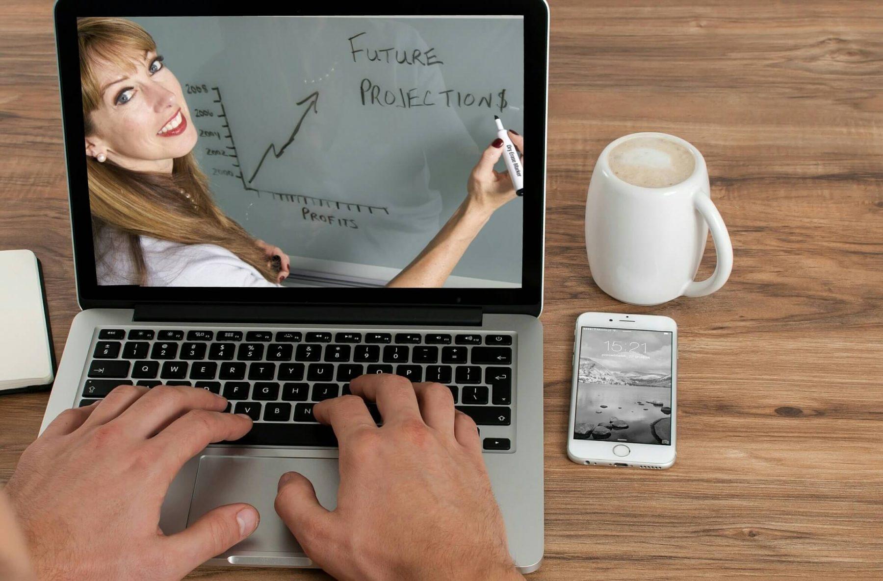 khoa hoc online e1574068518349 - Tổng hợp những ý tưởng kinh doanh nhỏ mới nhất 2020