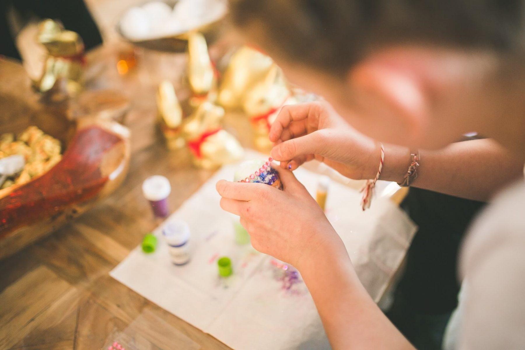 kinh doanh handmade e1574068531171 - Tổng hợp những ý tưởng kinh doanh nhỏ mới nhất 2020